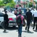 Limitantes de transporte afectan a empleados públicos y privados